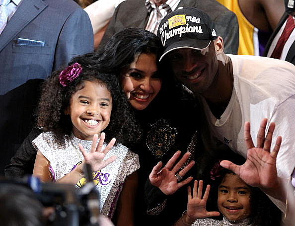 Kobe Bryant, Vanessa Bryant, and children