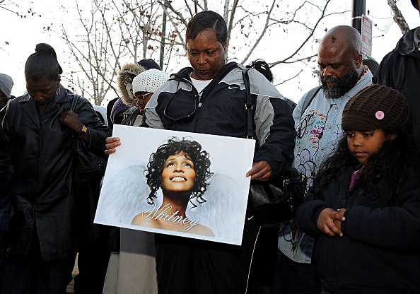 Fans Remeber Whitney Houston